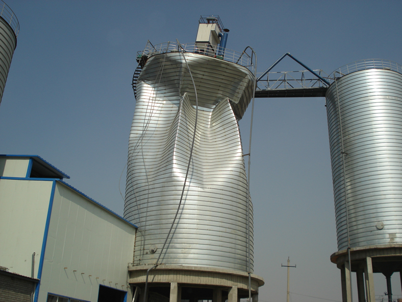 collaspse of steel silo